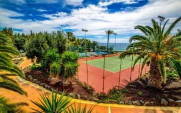 tennisplatz im sbh club paraiso playa