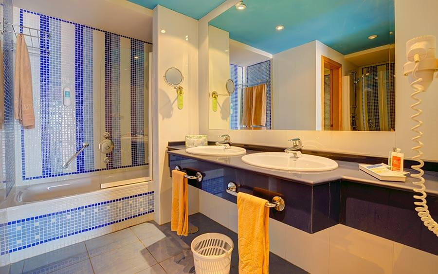 wc Standard Suite hotel sbh crystal beach